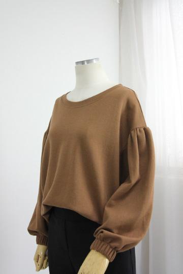 셔링 퍼프소매 티셔츠 DD1441