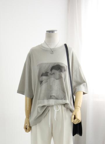 허그프린팅 반팔 티셔츠 DD715