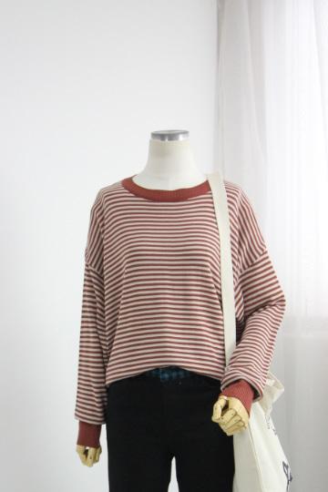 피리 스트라이프 니트 티셔츠 EBR1275