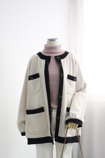 [교환반품불가] 모노 니트 배색 자켓 OKI602