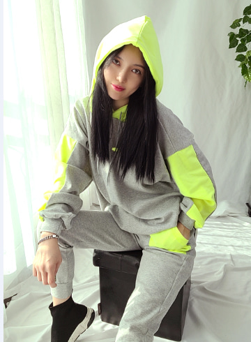 배색 후드티셔츠+밴딩 츄리닝바지세트 PS156