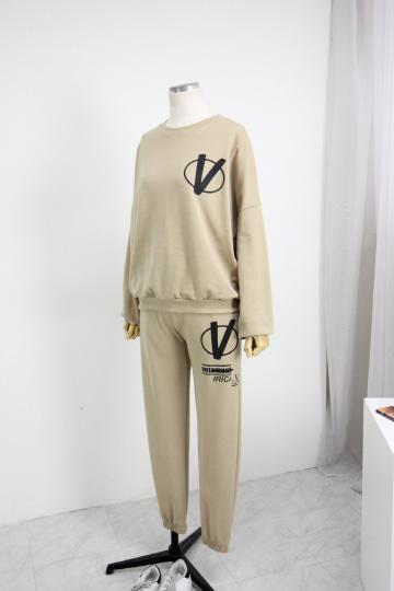 브이써클 맨투맨+밴딩조거팬츠 세트 PS70