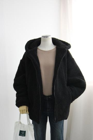 [교환반품불가] 오버핏 양털 누빔 후드집업 점퍼 STM1568
