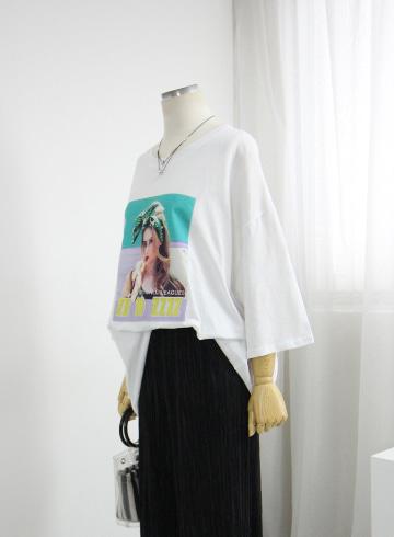 홀리데이 루즈핏 반팔 티셔츠 LV1531